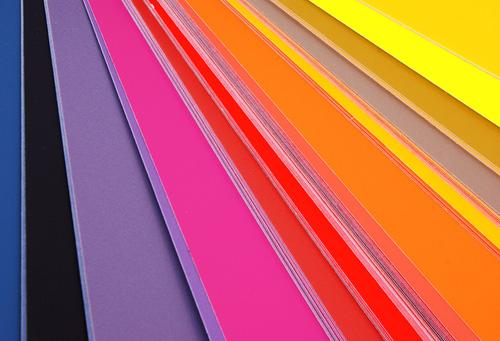 Colores, un motivo de batalla entre marcas